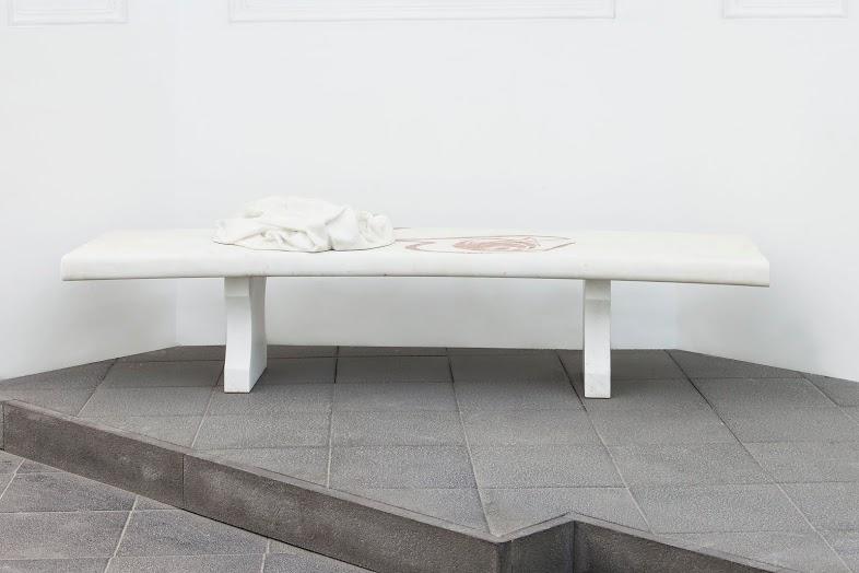 Domenico Bianchi, Untitled,2009. Courtesy l'artista. In comodato a Madre · museo d'arte contemporanea Donnaregina, Napoli. Foto © Amedeo Benestante.