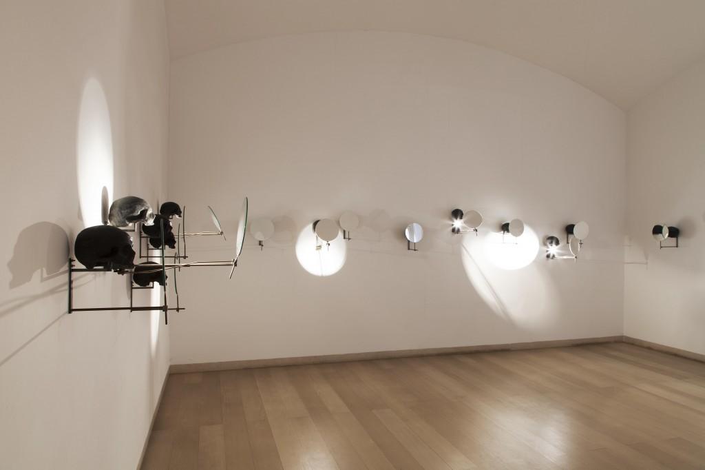 Rebecca Horn, Spirits, 2005. Courtesy Fondazione Donnaregina per le arti contemporanee, Napoli. Foto © Amedeo Benestante.