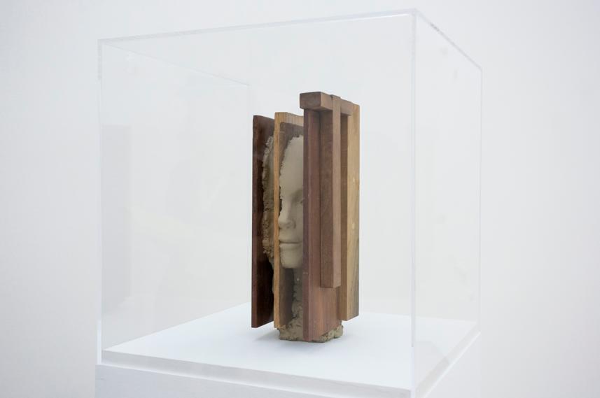 Mark Manders, Head with Wooden Hammer, 2011. Collezione privata. In comodato a Madre · museo d'arte contemporanea Donnaregina, Napoli. Foto © Amedeo Benestante.