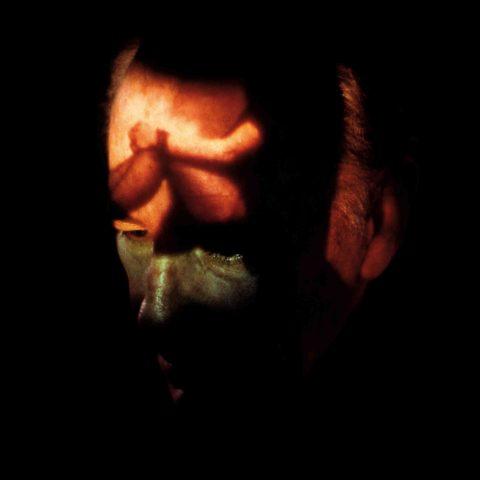 Fabio Mauri, Ricostruzione della memoria a percezione spenta, 1988. © Performance: Fabio Mauri. © Foto: Elisabetta Catalano.