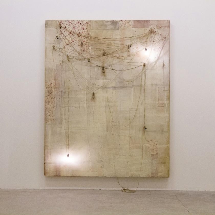 Lawrence Carroll, Untitled / Senza titolo, 2013. Collezione privata. In comodato a Madre · museo d'arte contemporanea Donnaregina, Napoli. Foto © Amedeo Benestante.