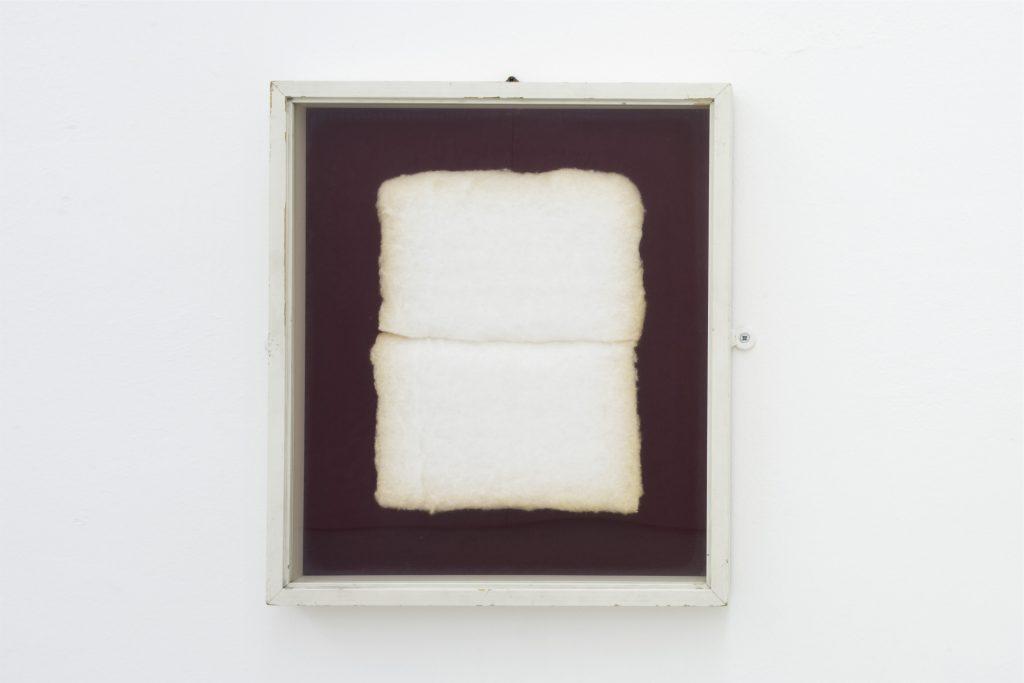Piero Manzoni, Achrome, 1960 c. Collezione Fondazione Piero Manzoni, Milano. In comodato a Madre · museo d'arte contemporanea Donnaregina, Napoli. Foto © Amedeo Benestante. In esposizione fino a dicembre 2016.