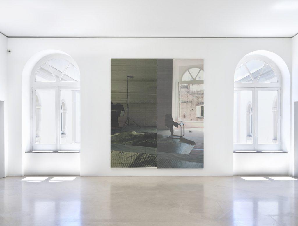 Wade Guyton, SIAMO ARRIVATI (veduta della mostra al Madre · museo d'arte contemporanea Donnaregina, Napoli), 2017. © Wade Guyton. Courtesy l'artista e Fondazione Donnaregina per le arti contemporanee, Napoli. Foto © Ron Amstutz.