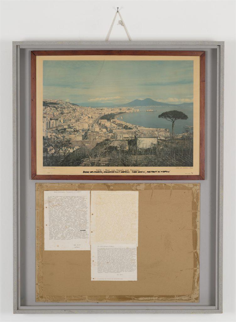 Jeff Geys, Cari amici, abitanti di Napoli, 1981. Courtesy l'artista; Air de Paris, Parigi. Collezione Madre · museo d'arte contemporanea Donnaregina, Napoli (donazione dell'artista).