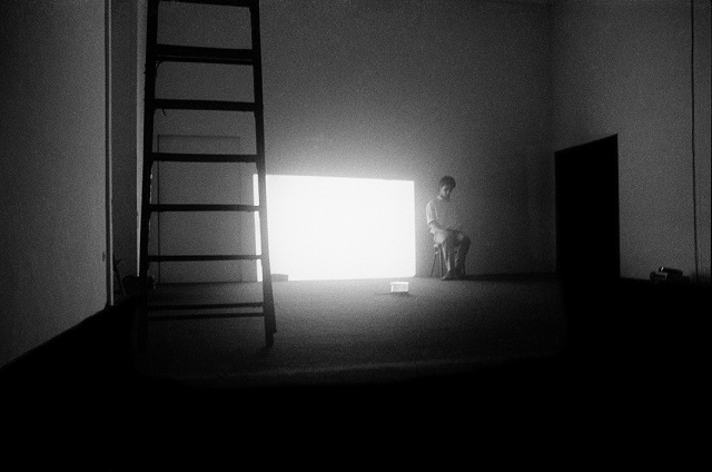 Mario Martone, Segni di vita, Galleria Lucio Amelio, Napoli, 1979. Foto © Cesare Accetta