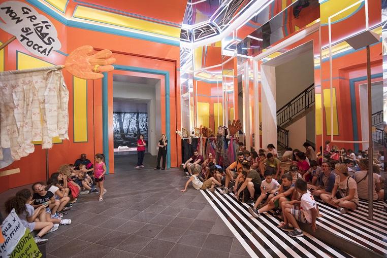 Il Madre per il Sociale. Presentazione del progetto al Madre · museo d'arte contemporanea Donnaregina, Napoli. Courtesy Fondazione Donnaregina per le arti contemporanee, Napoli. Foto © Amedeo Benestante.