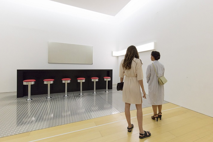 John Armleder, 360°. Veduta della mostra al Madre · museo d'arte contemporanea Donnaregina, Napoli. Courtesy Fondazione Donnaregina per le arti contemporanee, Napoli. Foto © Amedeo Benestante.